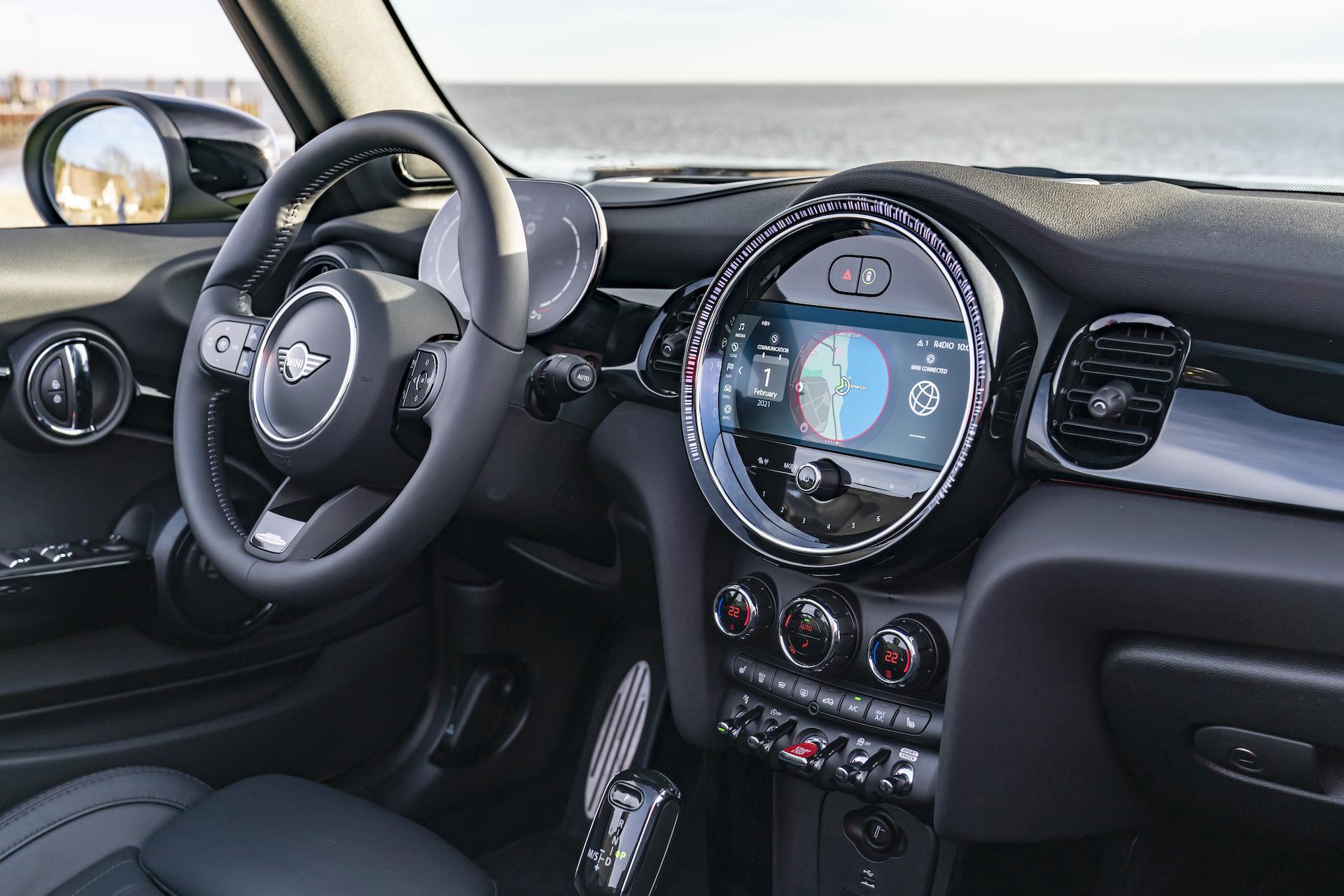 MINI Cabrio JCW 2021 3